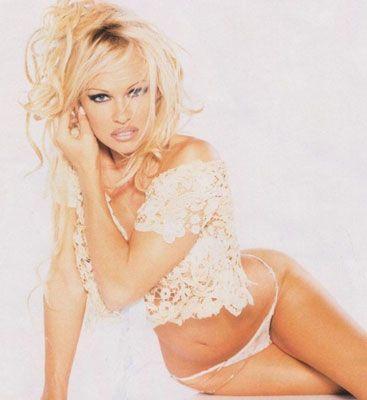 Pamela Anderson - 21